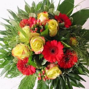 Ein Blumenstrauß wird zu vielen Gelegenheiten verschenkt.